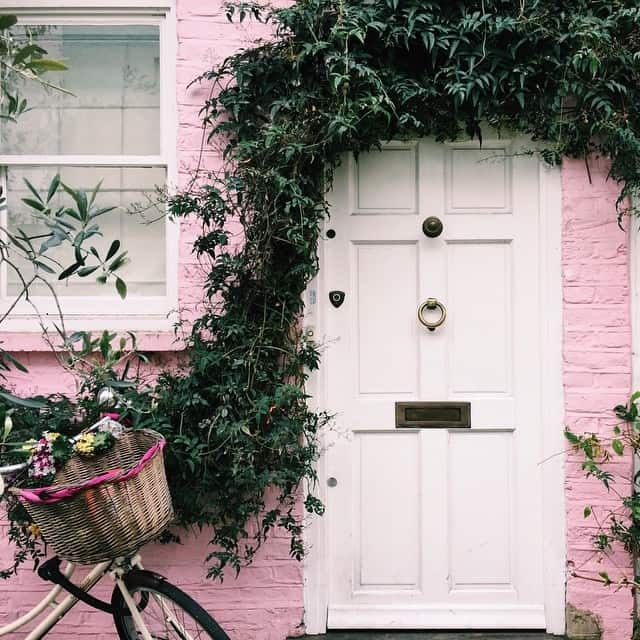 London youre pretty in pink