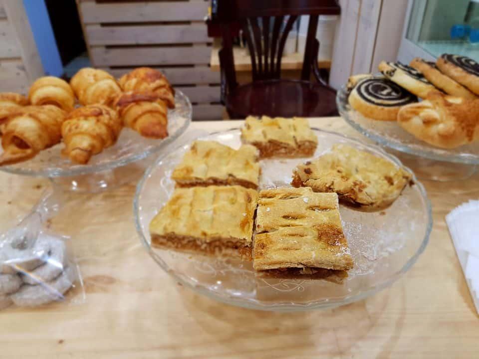 Gluten free Hungarian pastries at Manioka gluten free bakery in Budapest. #glutenfreebudapest #budapestglutenfree #glutenfreetravel