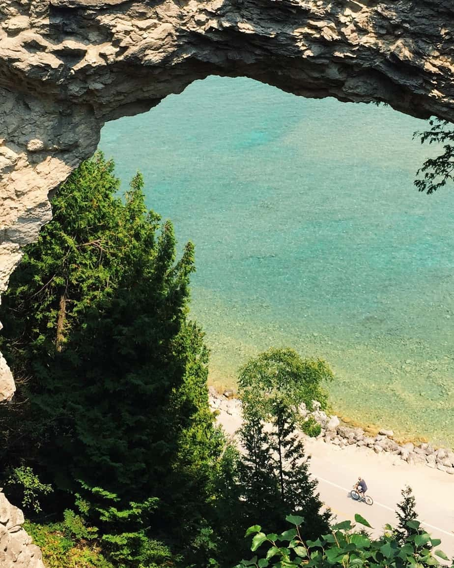 Mackinac Island is the gem of northern Michigan, gathering travelers from all over the globe each summer. But what is it really like? Here are my Mackinac Island travel impressions... #Mackinac #MackinacIsland #Michigan #Travel #PureMichigan