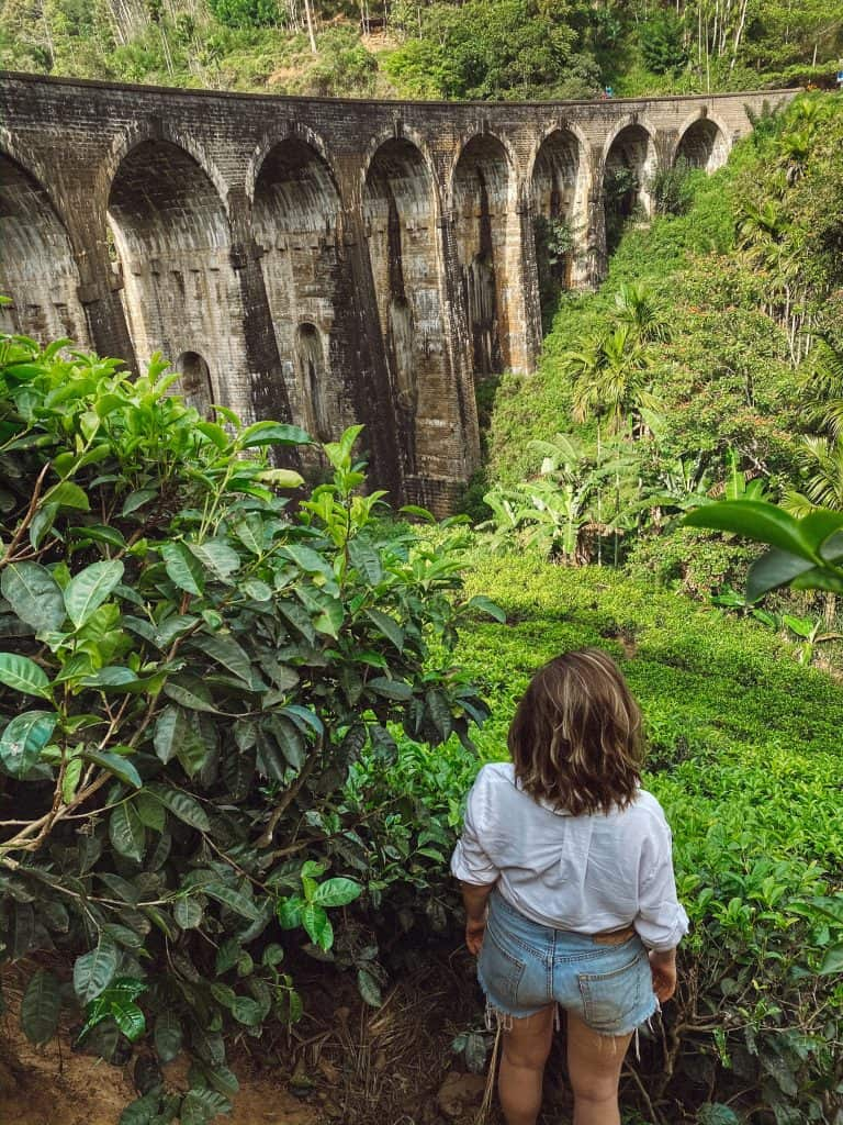 Looking for things to do in Ella Sri Lanka? From the best cooking classes, hikes, and more, to how to actually do them, this is your go to travel guide! #thingstodoinella #thingstodoinellasrilanka #ellasrilanka #whattodoinella