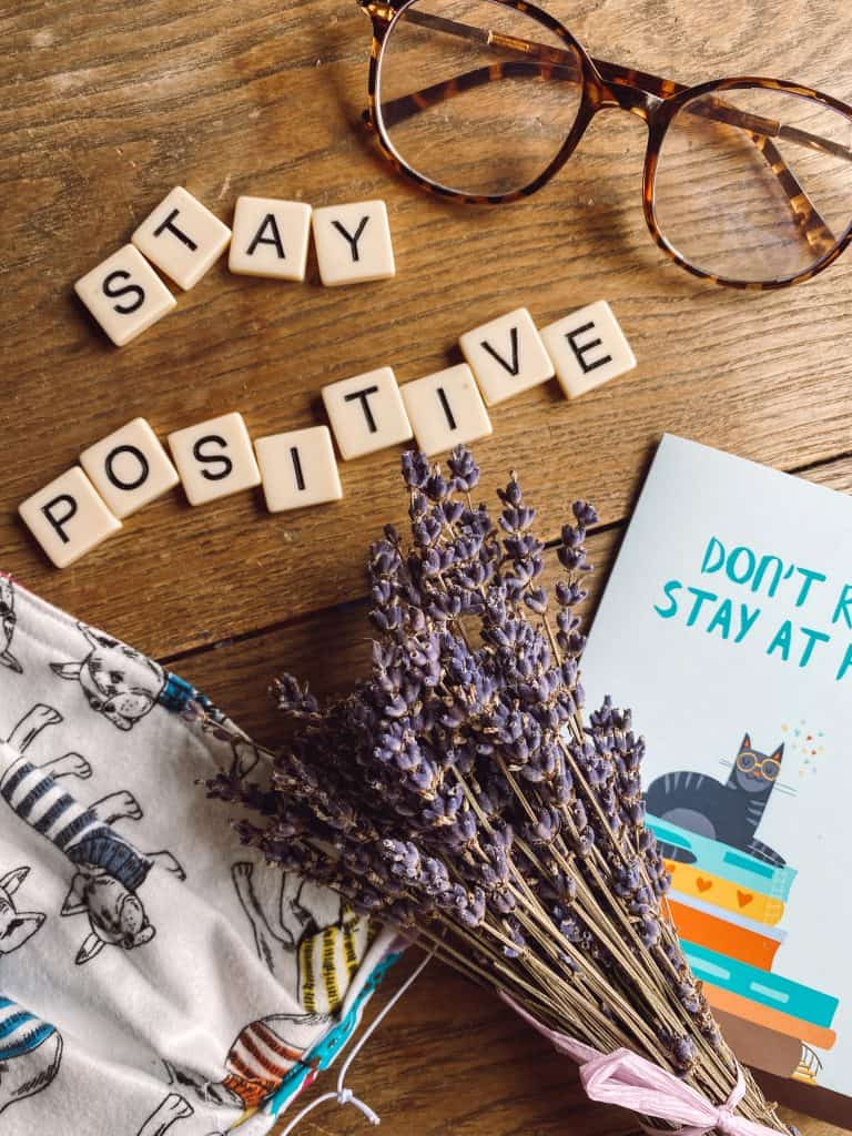 As a mental health professional, I've spent years studying how to stay positive in a negative situation. Here are 9 actionable, easy tips you can implement. #howtostaypositiveinanegativesituation #staypositive #goodvibes #mypostcard